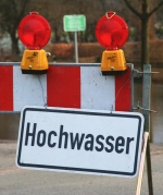 Hochwasser-Warnschild
